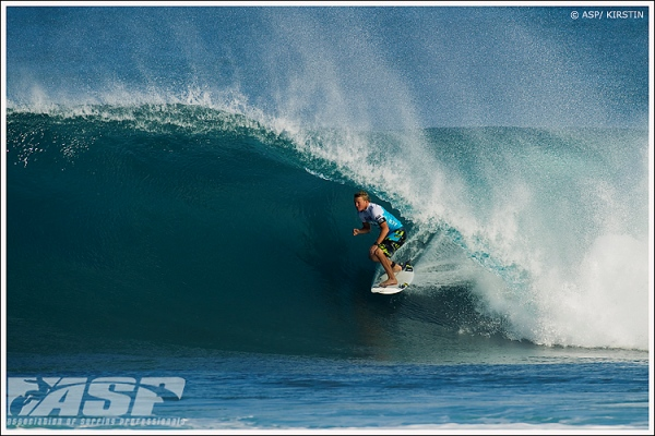 5d3f67ce3b2330 Day one of the Pipe Masters went down in pretty good conditions