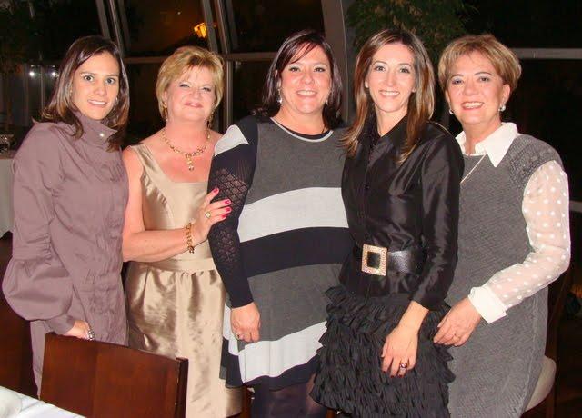 c21097d86a832 Parabéns à Gianni com mimos da esposa...