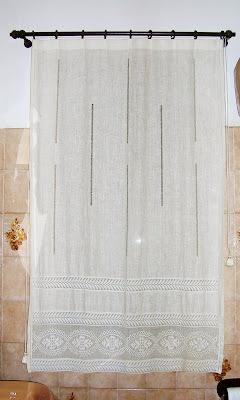 Il filo che crea tenda in lino e filet di mamma - Tendine filet per bagno ...