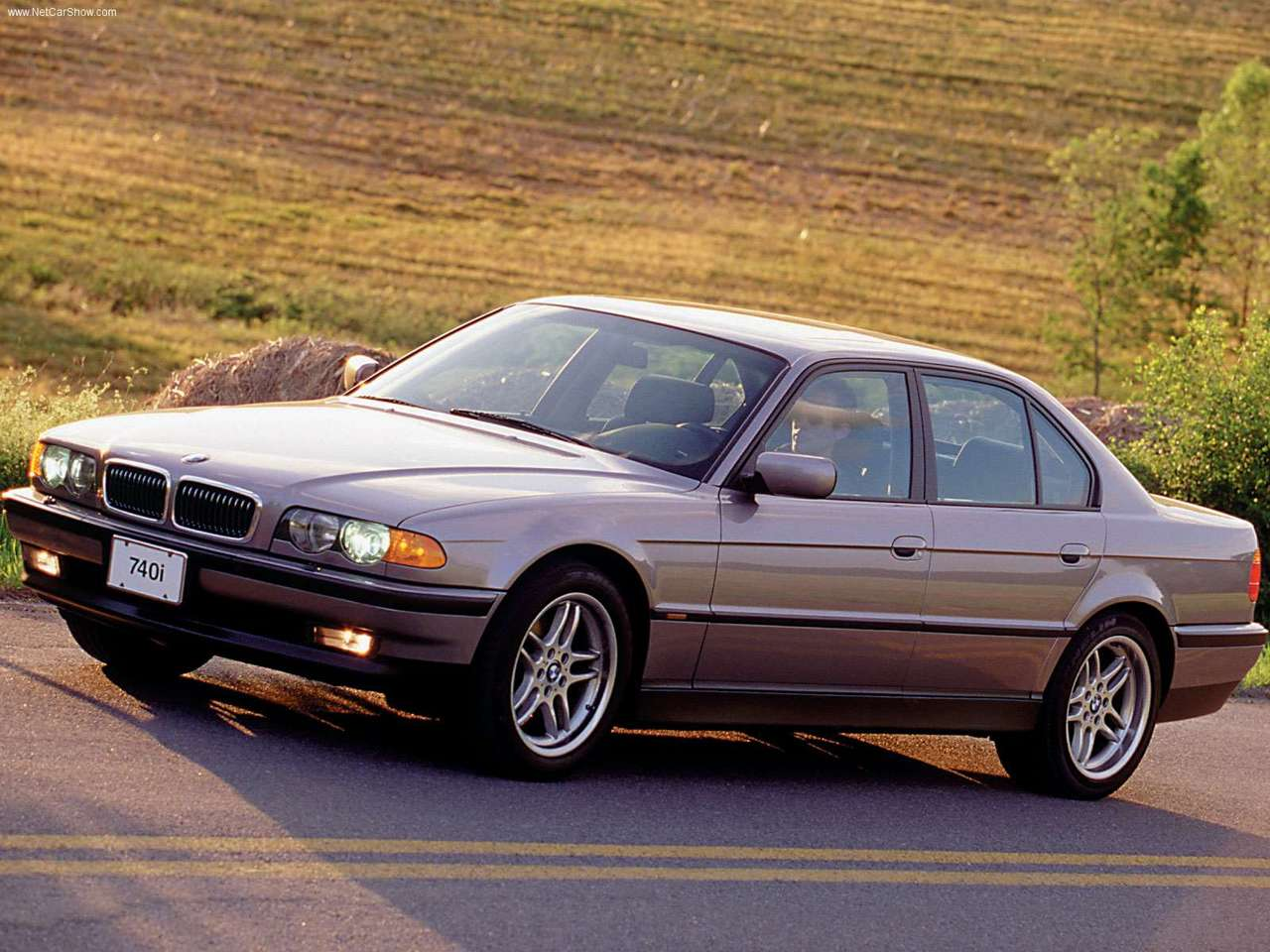 small resolution of 2000 bmw 740i the e38 generation 1995 2001 had a five speed automatic or manual transmission the engine variants in europe were 725tds 728i 730i