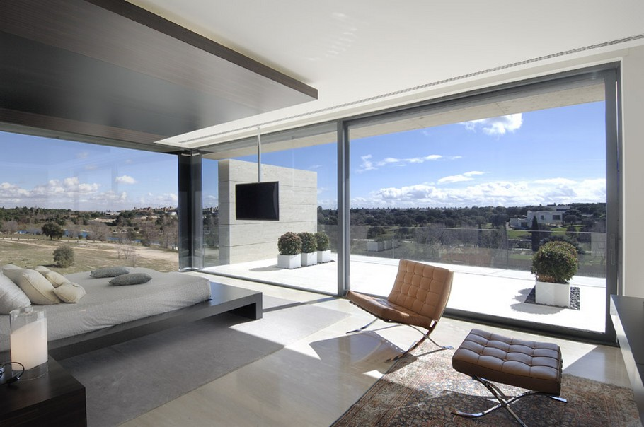 House with big windows and swimming pool madrid spain - House with big windows ...