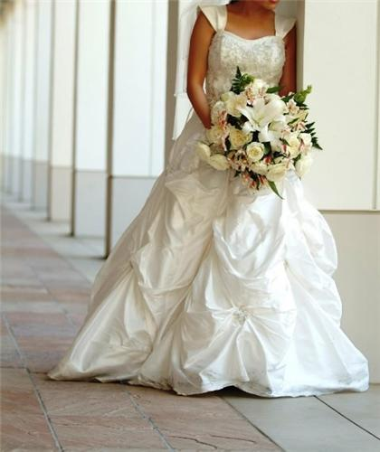 The Dressmarket Wedding Dress Blog: Alfred Angelo