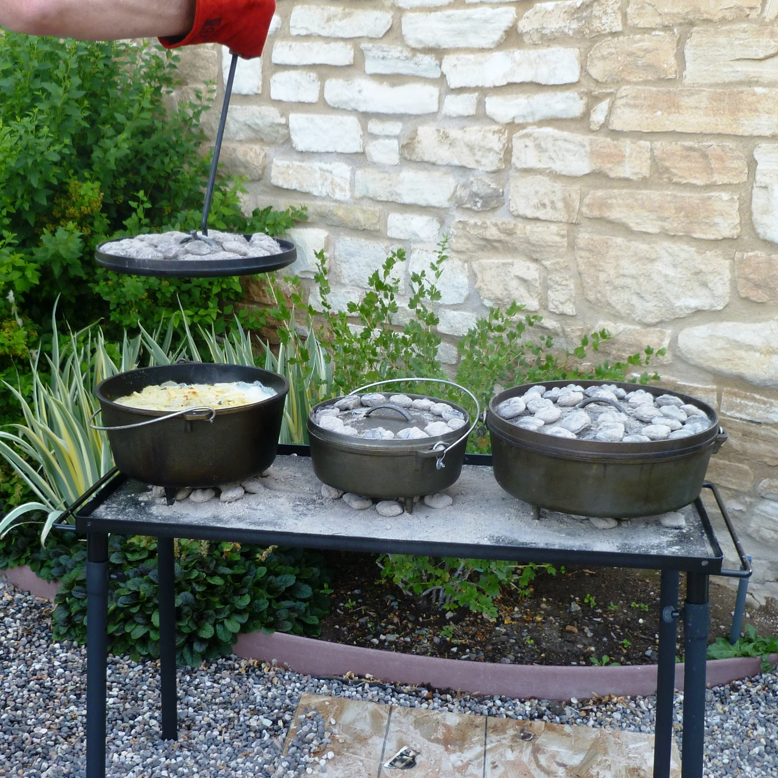 City Home/Country Home: Dutch Oven Dinner