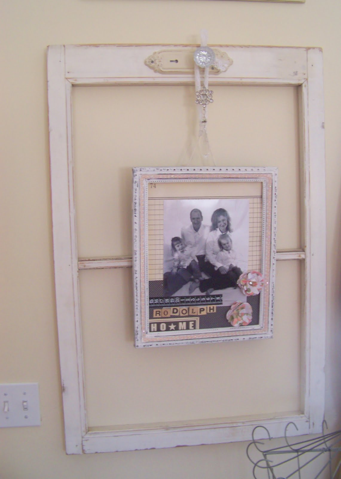 Using old window frames to decorate (she:jami) - Or so she ...