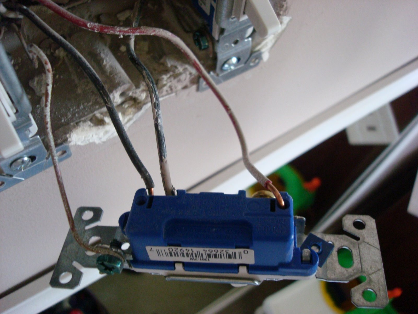 Replace light switch with dimmer