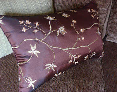 pillow from a table runner