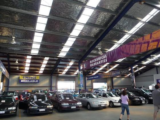 Así se miraba la subasta de los autos en Tauranga City