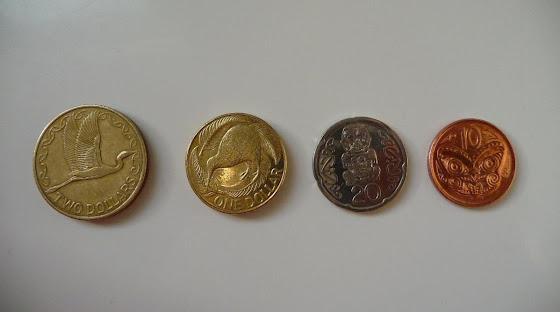 Aquí las fichas (monedas) de Nueva Zelanda)