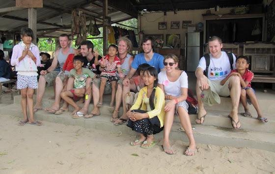 En el orfanato de Cambodia