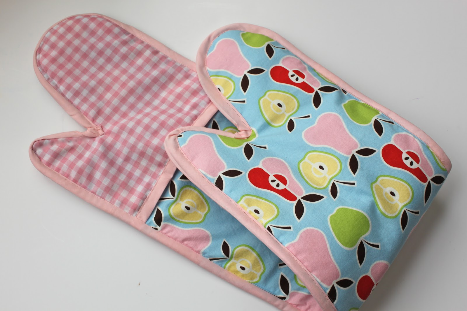 d5963fbed The Double Oven Mitt  A Tutorial  - Smashed Peas   Carrots