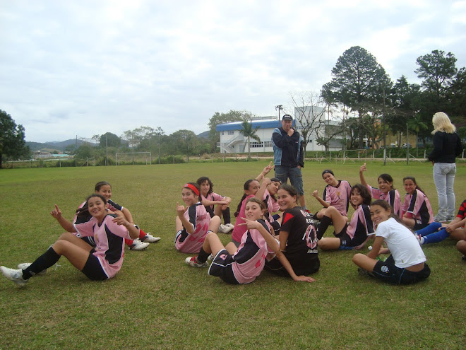 Camboriu Futebol: women  Soccer team  under 15 teen coached by Parana at  FME Camboriu - Brazil