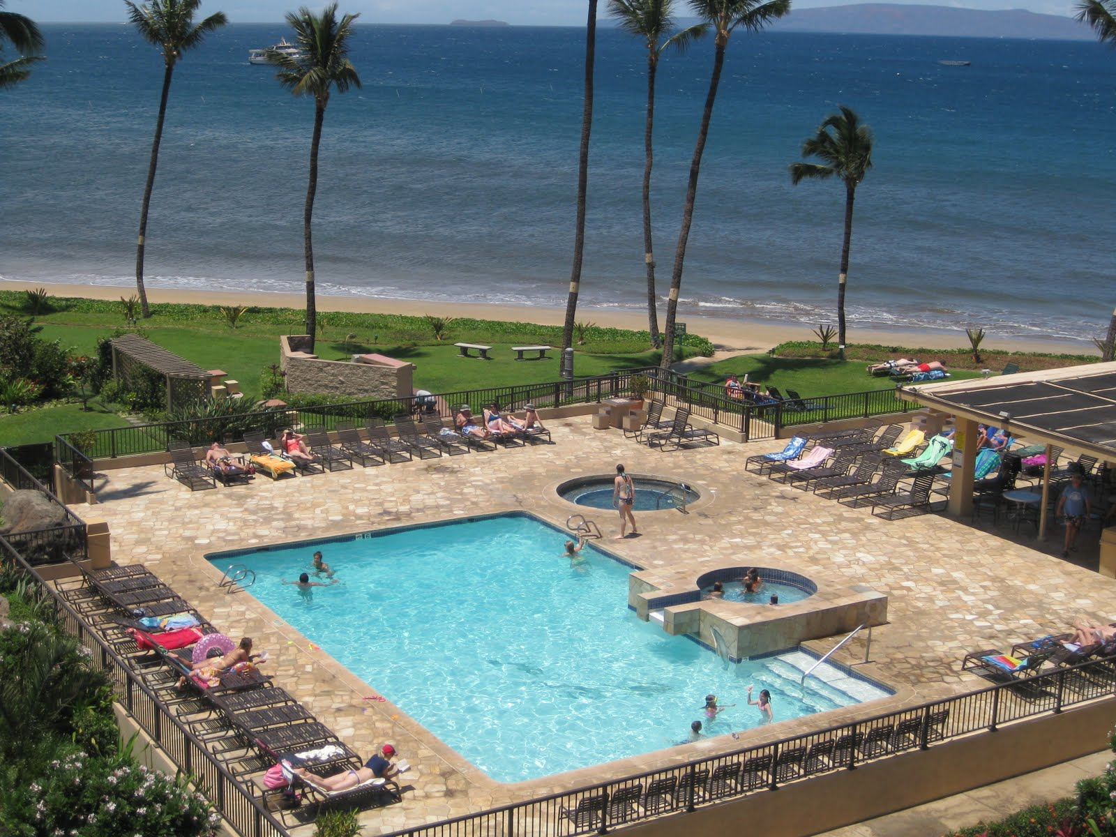 Vacation In The Beautiful Blue Pacific Maui Sugar Beach Resort