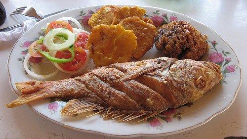 Hoy mas pescado....mmmmm delicioso-http://4.bp.blogspot.com/_wWWpk-iOiqY/TCkUyRtB_0I/AAAAAAAABEM/q3PQ6GOxcn0/s1600/LA+MOJARRA+FRITA+CON+ARROZ+E+COCO.jpg