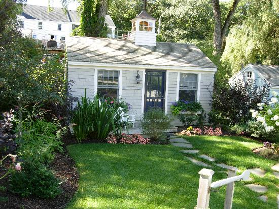 harlem lovebirds a someday post cottages at cabot cove. Black Bedroom Furniture Sets. Home Design Ideas