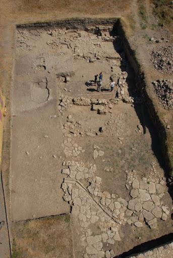 Раскопки древнего городища Тиритака в Керчи