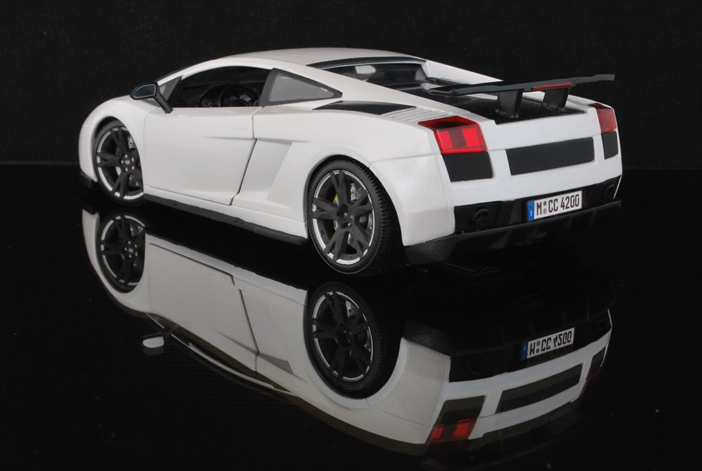 Gallardo Superleggera White