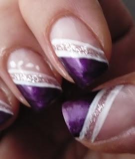French Diagonale Viola E Linee Bianche E Glitter By Ale Trendy Nail