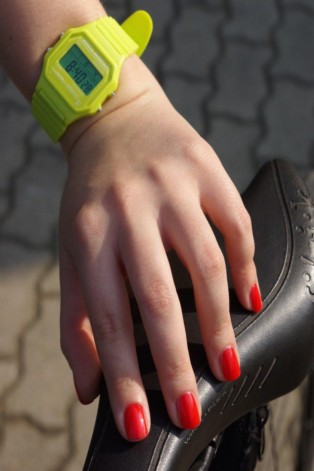 Vota Le 3 Manicure OPI E Portale Alla Finalissima!(Post