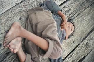 niño calle pobreza
