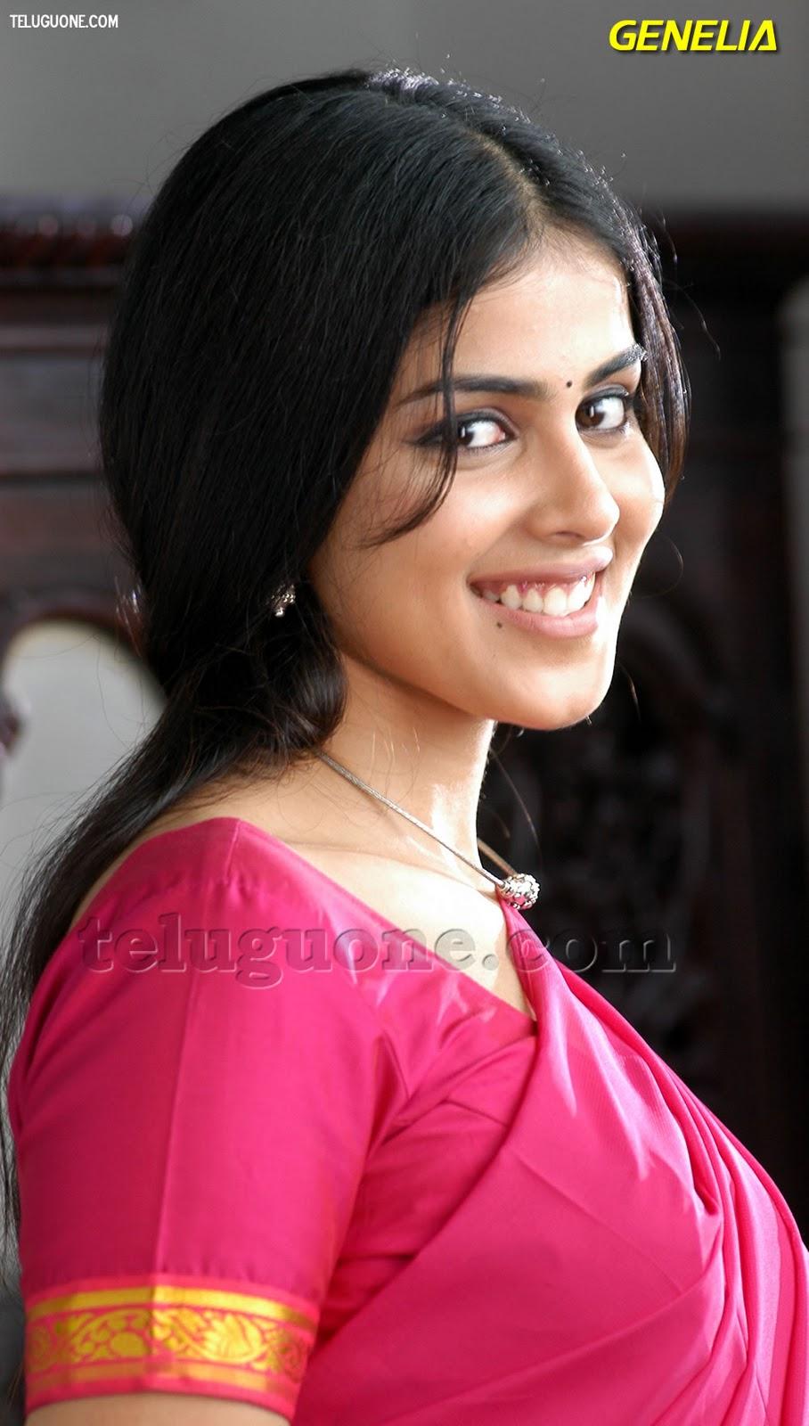 Desi Hot Actress Genelia Hot Photos