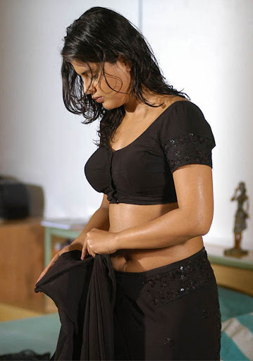 Actress Farzana Navel Show Photos Collection
