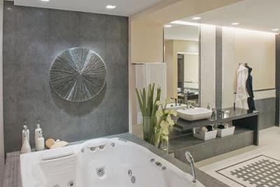 Bano incluido con tina jacuzzi diseno de interiores for Banos modernos con jacuzzi y regadera