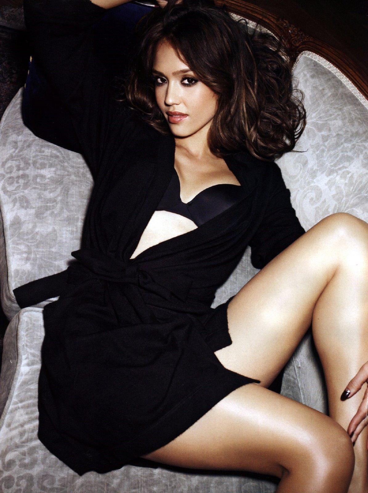 Wallpaper World: Jessica Alba Hot photo of Tight Body
