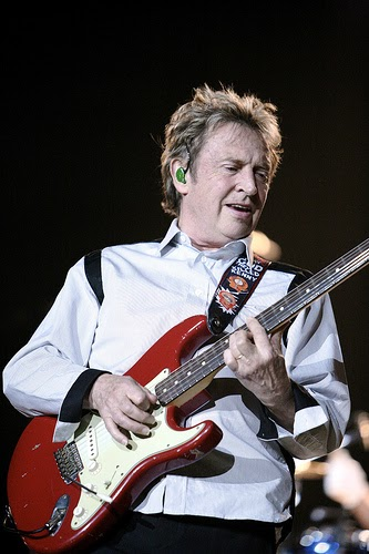 Andy Summers Caught Cheating on His Tele! ~ Stratocaster Guitar Culture | Stratoblogster