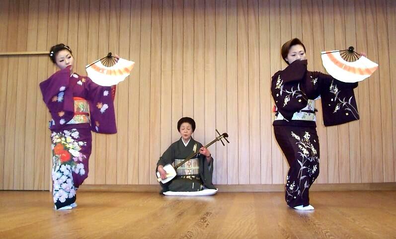 """Résultat de recherche d'images pour """"geisha danse éventail"""""""