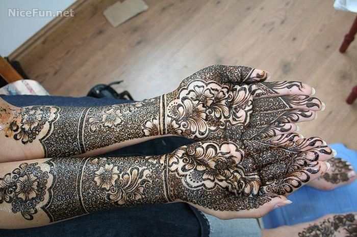 Fashion & Beauty: MEHNDI STYLE
