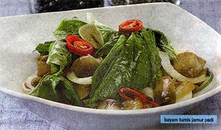 Masukkan cabai merah besar dan jamur padi Bayam Tumis Jamur Padi