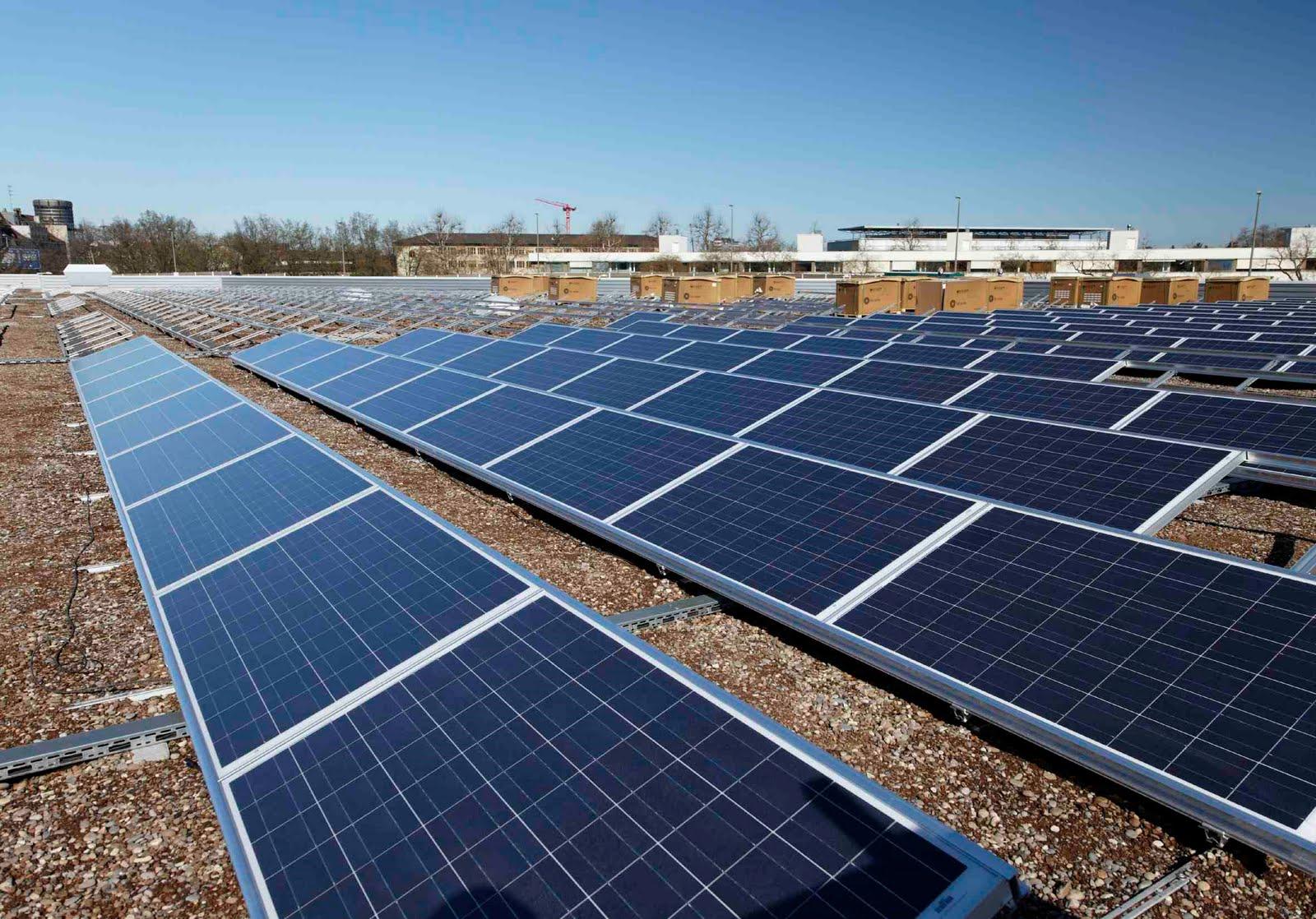 biete dach für photovoltaikanlage