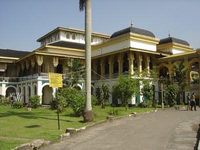 Informasi Lowongan Kerja Terkini Di Aceh Utara Berita Lowongan Kerja Terbaru Tahun 2016 Indahnya Istana Maimun Wisata Sumatra