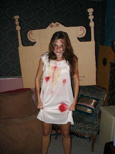 Disfraz casero de la niña del exorscista