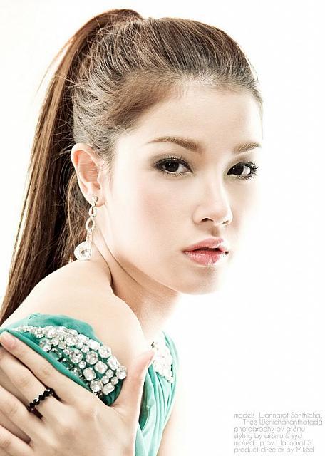 http://loverlem.blogspot.com/2012/09/top-photo-sexy-thailand-actress.html