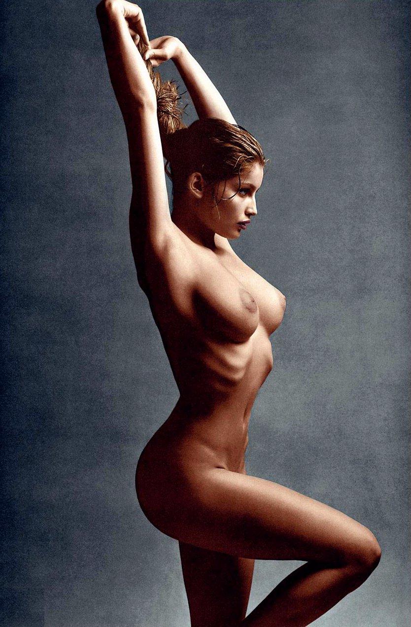 laetitia naked