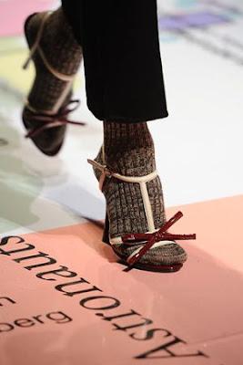 décolleté con i calzini da uomo