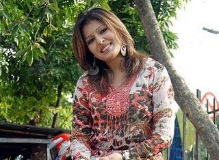 Tinni Bangladeshi model