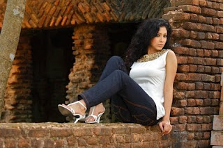 Nabila Karim Bangladeshi Popular model hot and sexy photos
