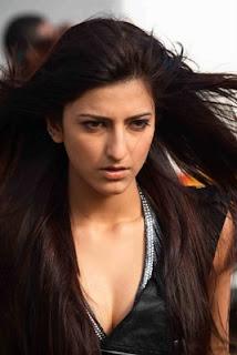 Shruti Hassan hot and sexy girl