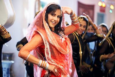 Tees Maar Khan Hindi Movie Review 2010, Trailers, Wallpapers, photos