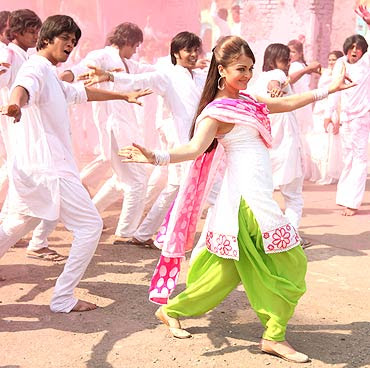 Action Replayy (2010) Hindi movie wallpapers, steel photos