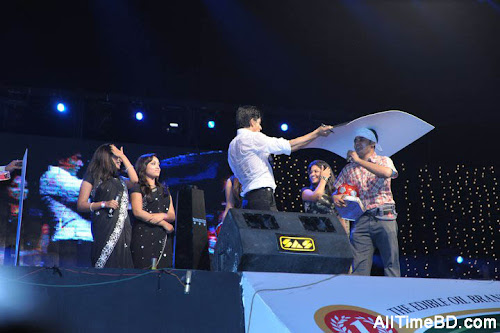 Shahrukh Khan live in dhaka concert photo gallery