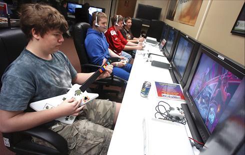 Teen Gaming Center 92