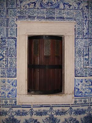cac811063e1 Janela do Mosteiro de S. Dinis e S. Bernardo em Odivelas