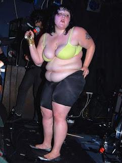 Beth ditto boob