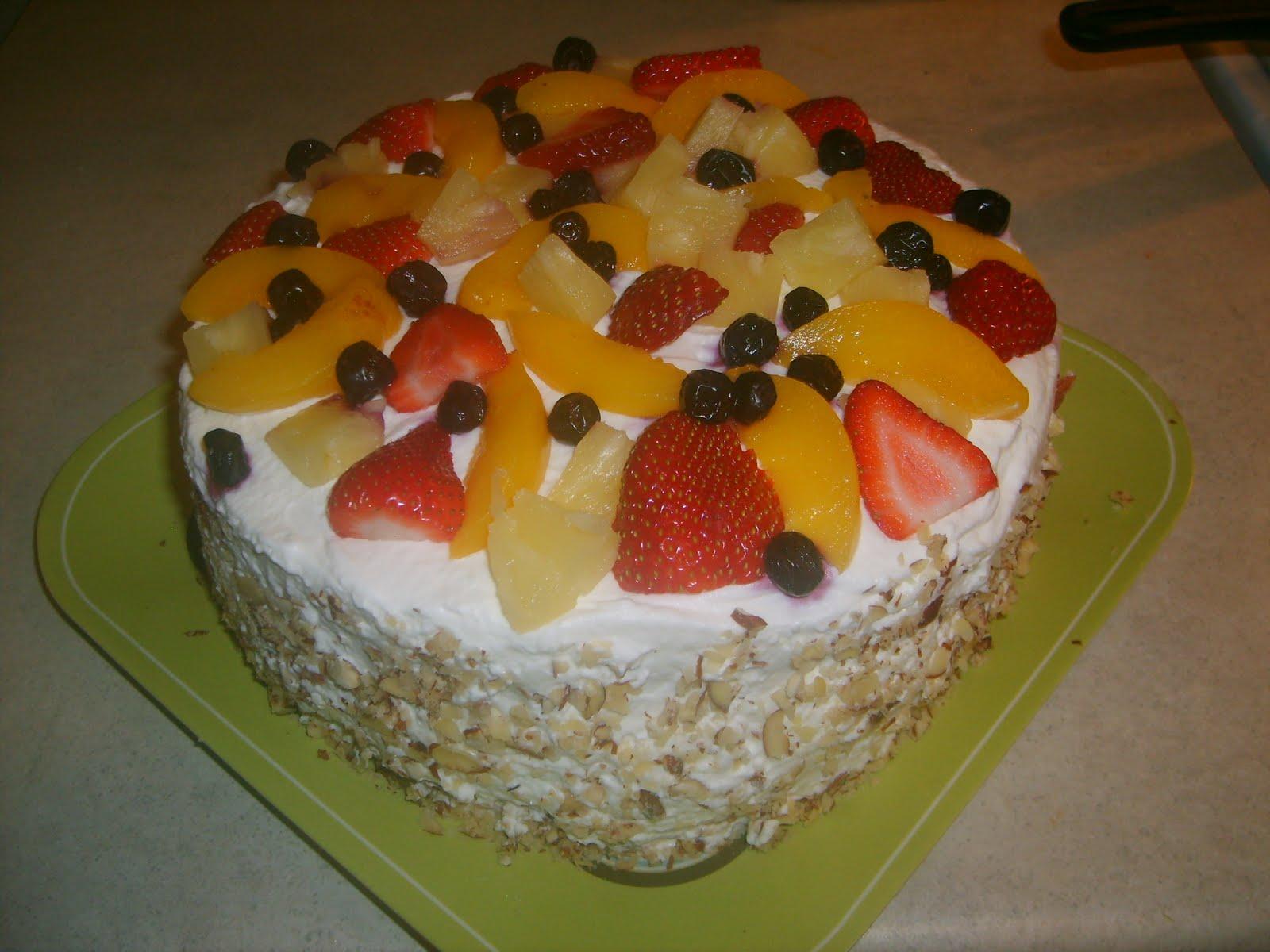 Tasty Creations: Whipped cream fruit cake