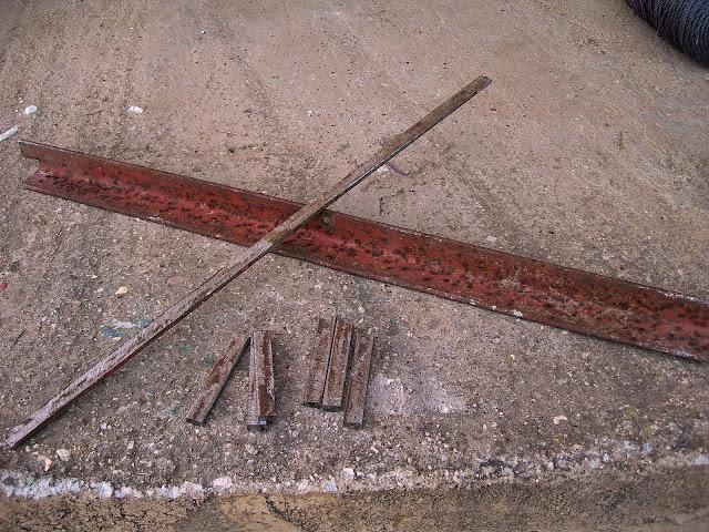 Κατασκευή κρεμάστρας γεωργικών εργαλείων