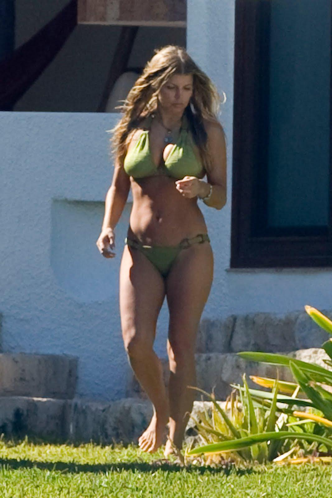 Big beautiful women with sexy buttocks
