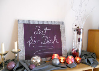 pader deko perle basteln und dekorieren dekoidee in lila edle deko f r die zeit nach. Black Bedroom Furniture Sets. Home Design Ideas